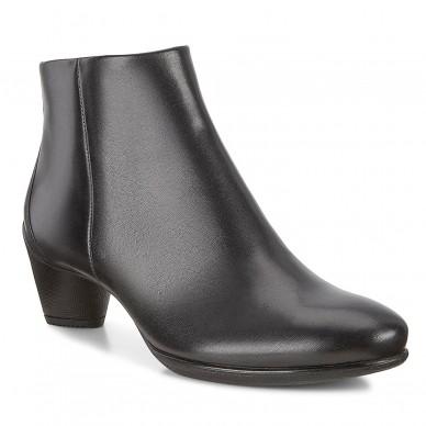 23048301001 - Women's boots...