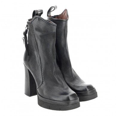 A53206 - Women's ankle boot...