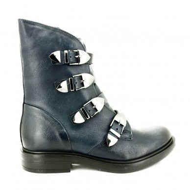 MJUS woman ankle boot model...